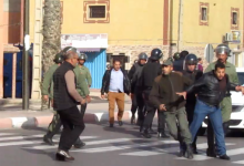 Photo of الشرطة المغربية تداهم منازل مدنيين و تختطف نشطاء صحراويين بمدينة العيون المحتلة